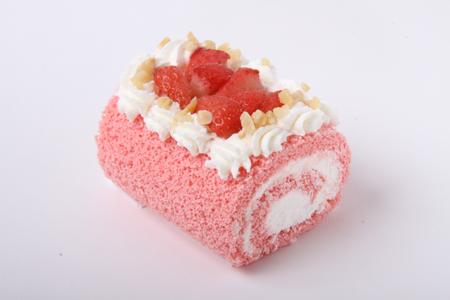 ケーキ イチゴロール.jpg